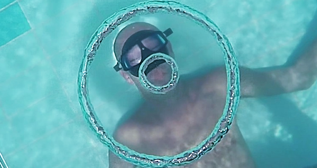 freediver-bubble-rings